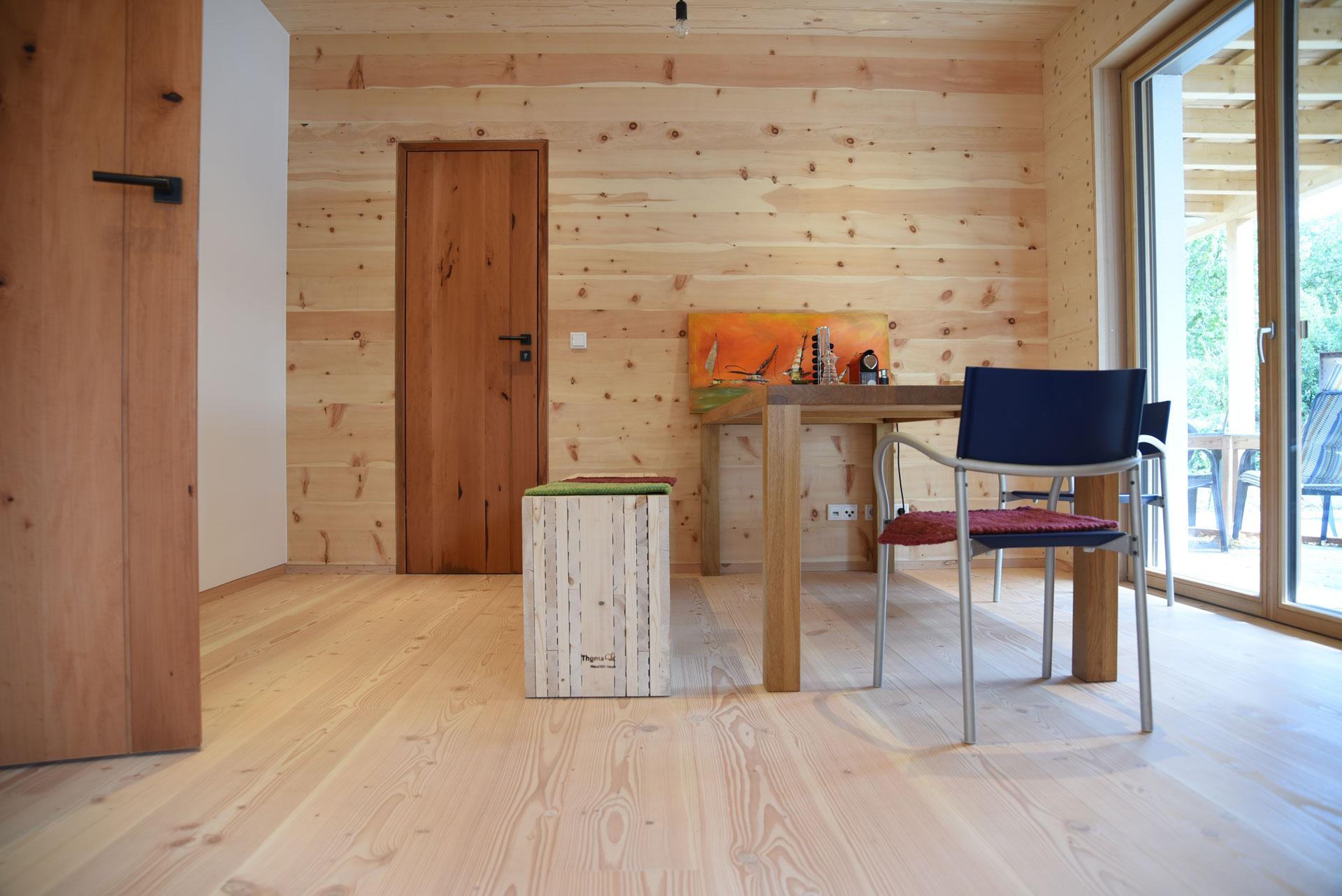 Arbeitsraum im Holz100 Haus