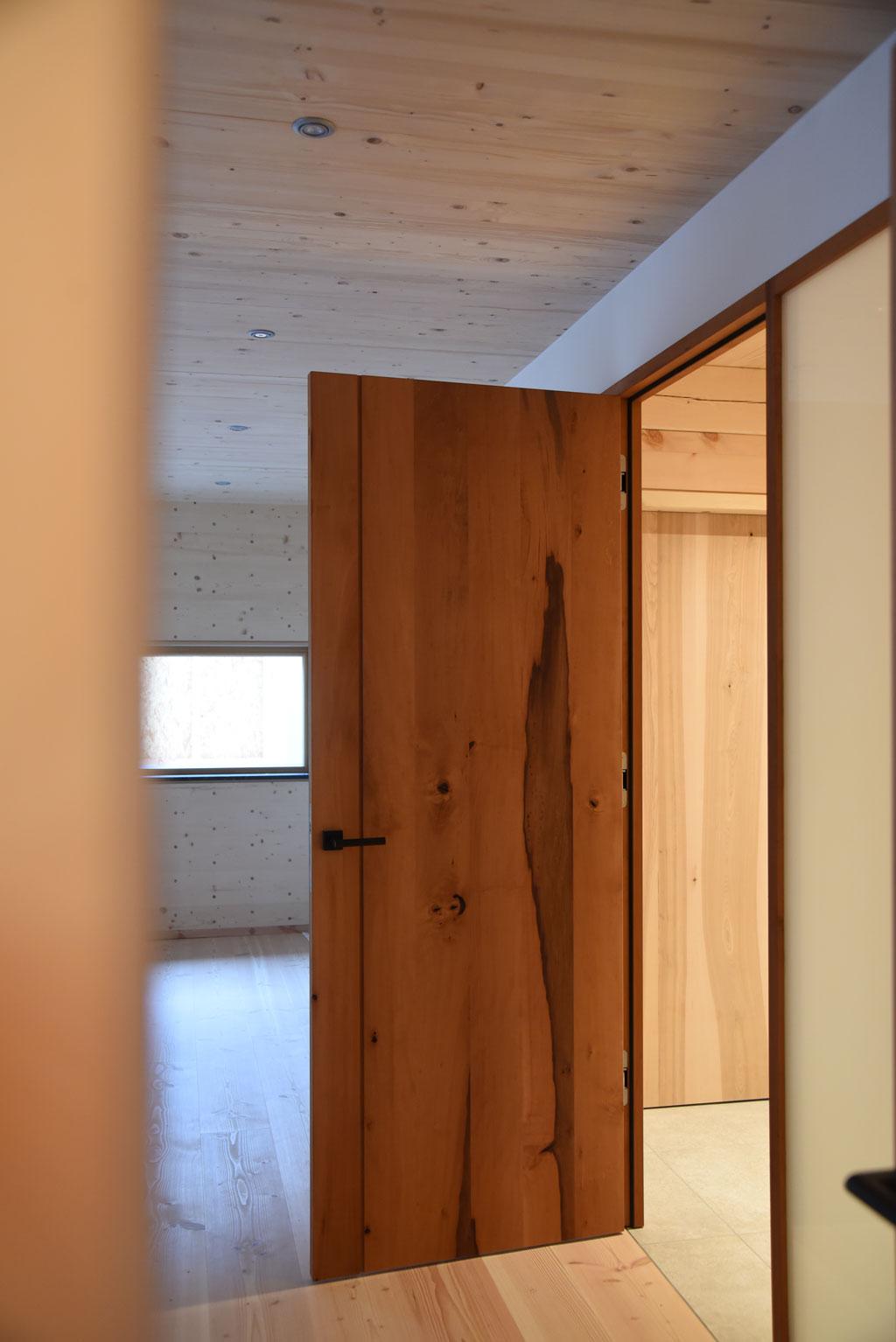Mondholz Tür Birnbaum