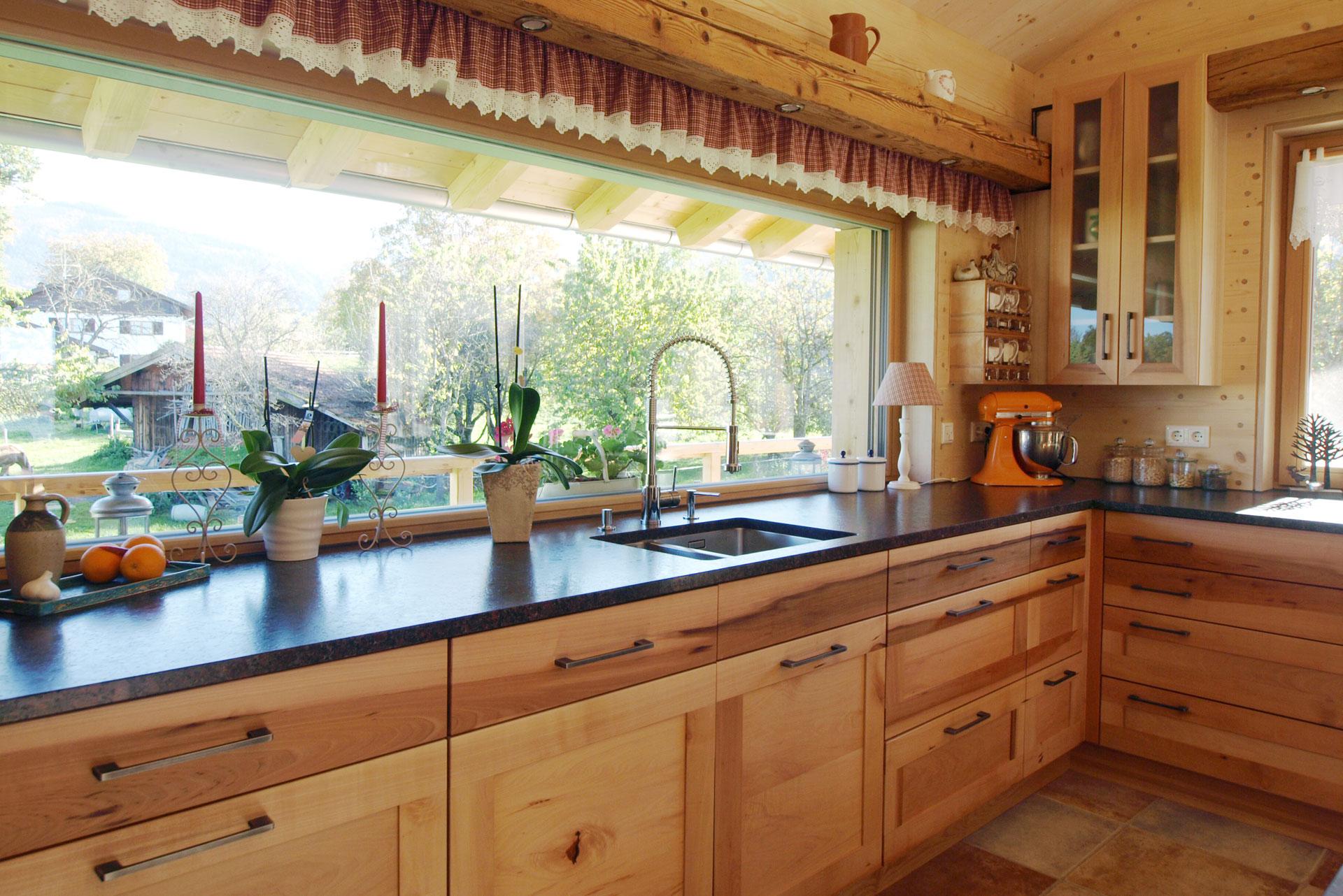 Küchenzeile aus Birnbaum