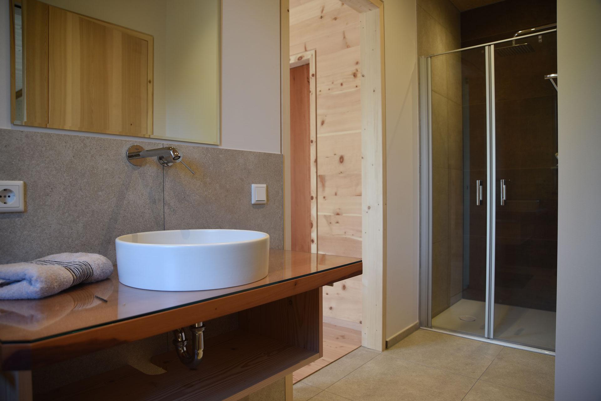 Dusche im Holz100 Haus Bad Feilnbach